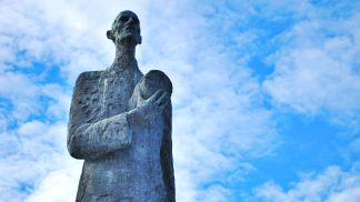 Oslo. Estàtua del Rei Haakon VII de Noruega.